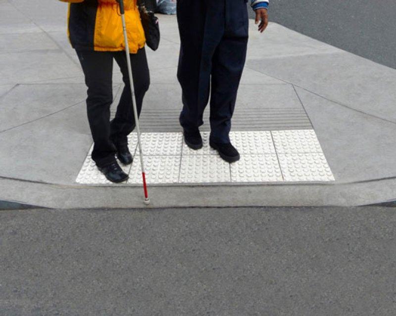 Openbare verlichting voor mensen met een visuele beperking verdient meer aandacht.